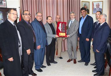 The French Consul Visits Al-Aqsa University.