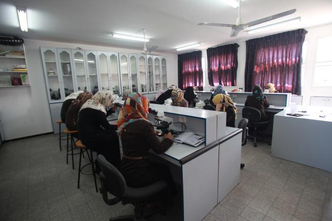 مختبر الأحياء